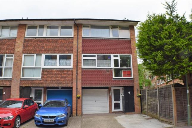Thumbnail Terraced house to rent in Nash Drive, Redhill