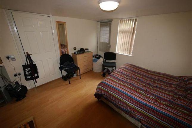 3 bed property to rent in Beechwood Avenue, Burley, Leeds