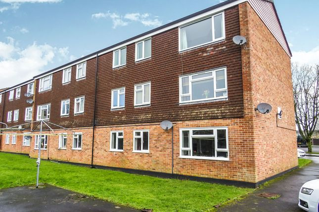 Thumbnail Flat for sale in Southmead, Chippenham