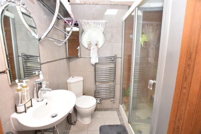 En-Suite Shower / Sauna