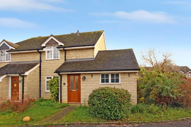 Picture No. 1 of Jacobs Close, Witney, Oxon OX28