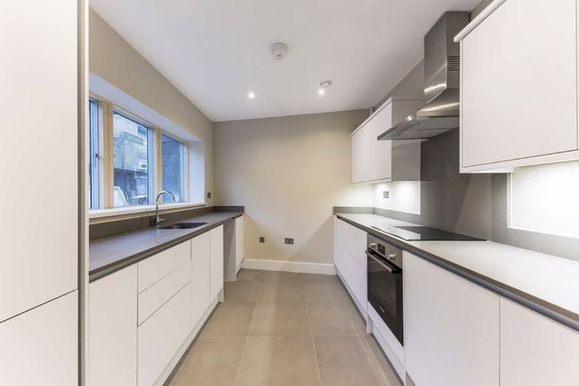 2 bed property for sale in Brixton Hill, London SW2