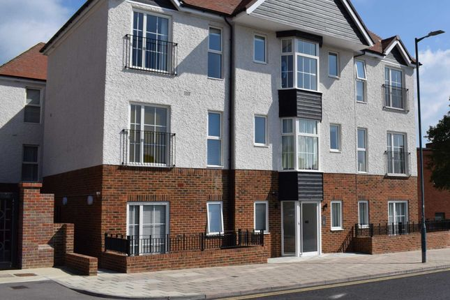 Thumbnail Flat to rent in Gernon Road, Letchworth Garden City