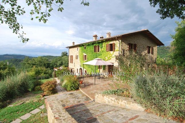 5 bed farmhouse for sale in Umbertide, Umbria, Italy