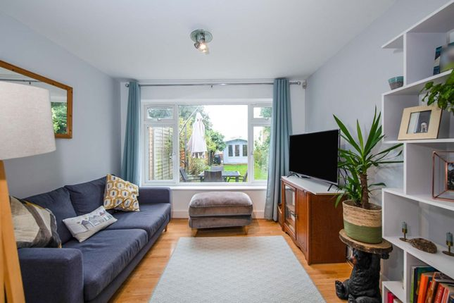 2 bed maisonette for sale in Crewys Road, Childs Hill NW2