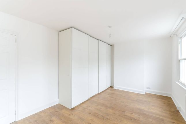 Thumbnail Terraced house to rent in Wadham Road, Putney