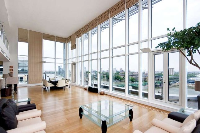 Thumbnail Flat to rent in Riverside Tower, Imperial Wharf, London