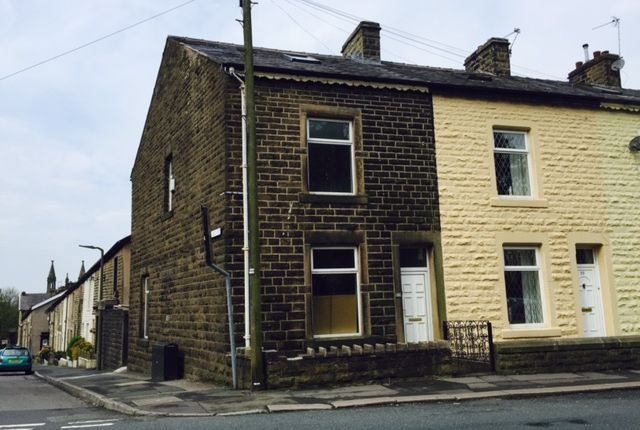 4 bed end terrace house to rent in Bury Road, Rossendale
