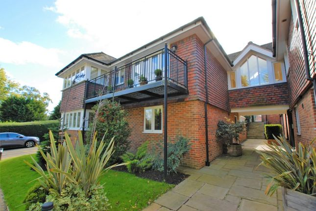 Thumbnail Flat for sale in London Road, Hythe