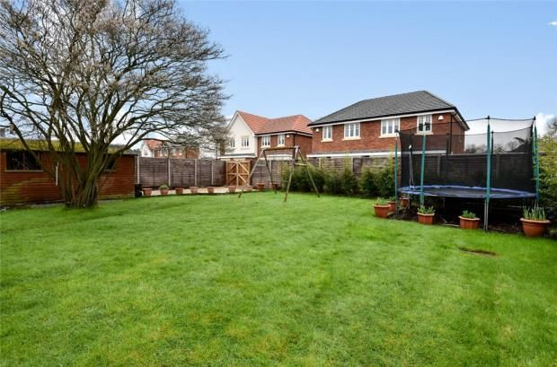 Thumbnail Detached house for sale in Fleet Road, Farnborough, Hampshire