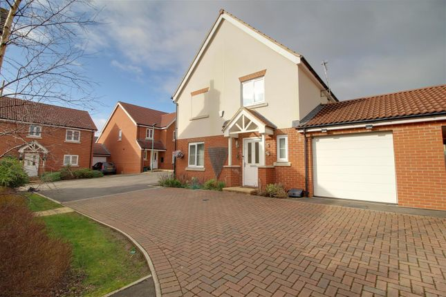 Thumbnail Link-detached house for sale in Drovers Way, Newent