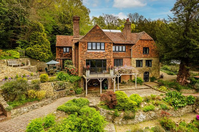 Thumbnail Detached house for sale in Trevereux Hill, Limpsfield Chart
