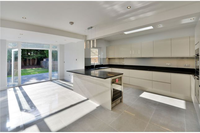 Thumbnail Terraced house for sale in Palmerston Road, Bowes Park