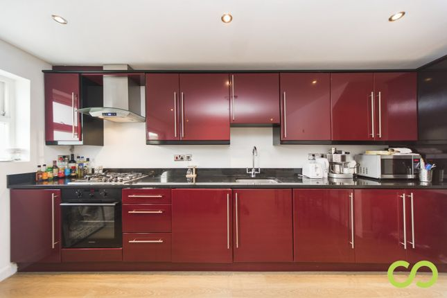 Thumbnail Flat for sale in Myrdle Street, Aldgate