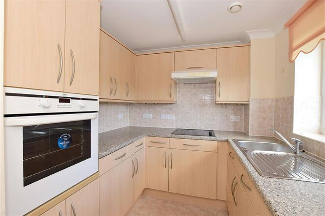 Thumbnail Property for sale in Medway Wharf Road, Tonbridge, Kent
