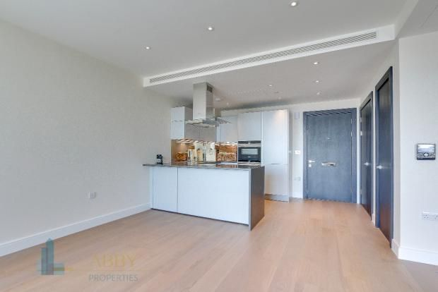 Thumbnail Flat to rent in Queenstown Road, London