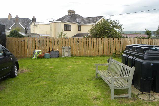Lawned Garden of Llanybydder SA40