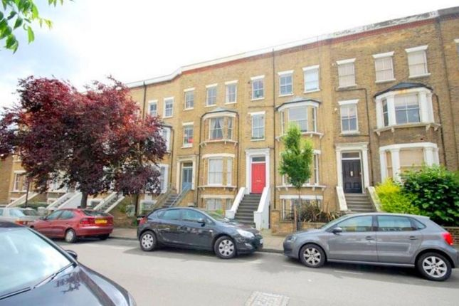 3 bed flat to rent in Springdale Road, London