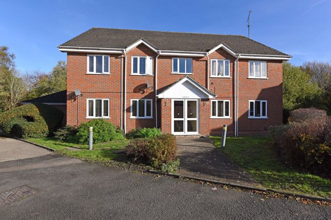 Thumbnail Flat for sale in Thornfield Green, Blackwater, Camberley