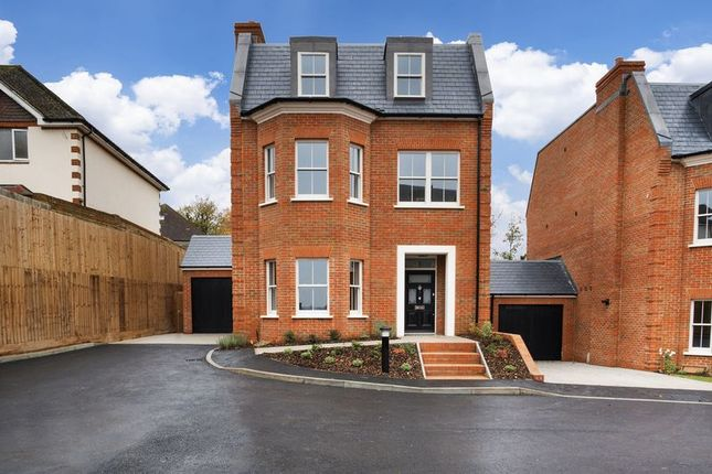 Thumbnail Detached house for sale in Stableford Close, South Croydon