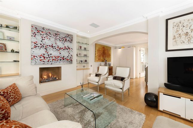 End terrace house for sale in First Street, London