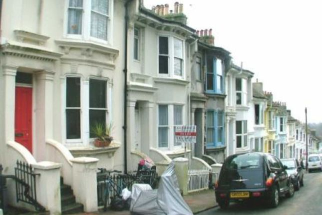 5 bed terraced house to rent in Wakefield Road, Brighton