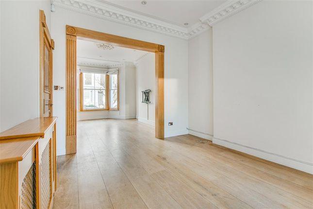 Thumbnail Town house to rent in Abingdon Villas, Kensington, London