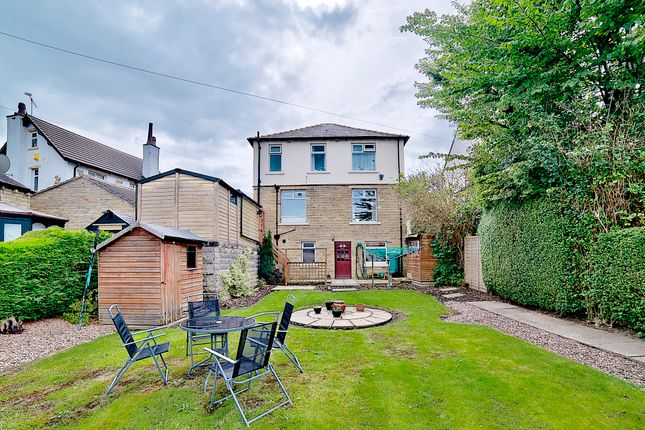 Thumbnail Detached house for sale in Wakefield Road, Moldgreen, Huddersfield