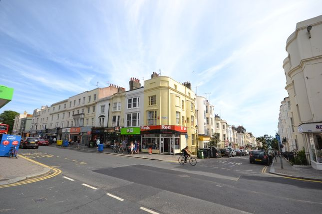 1 bed flat to rent in Western Road, Hove BN3