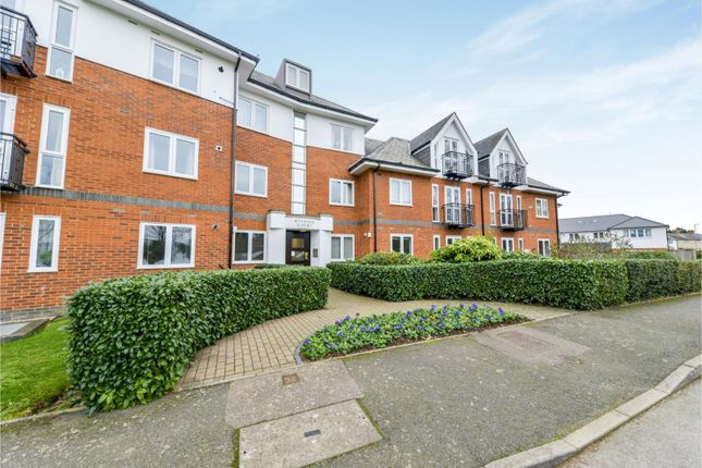 Thumbnail Flat to rent in Park View Close, St.Albans