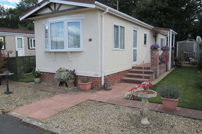 Thumbnail Mobile/park home for sale in Rawlins Park (Ref 5970), Avebury, Wiltshire