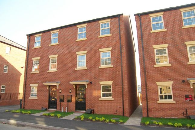 Thumbnail Town house to rent in Towpath Way, Spondon, Derby