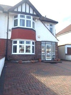 Thumbnail Flat to rent in Great West Road, Hounslow / Osterley