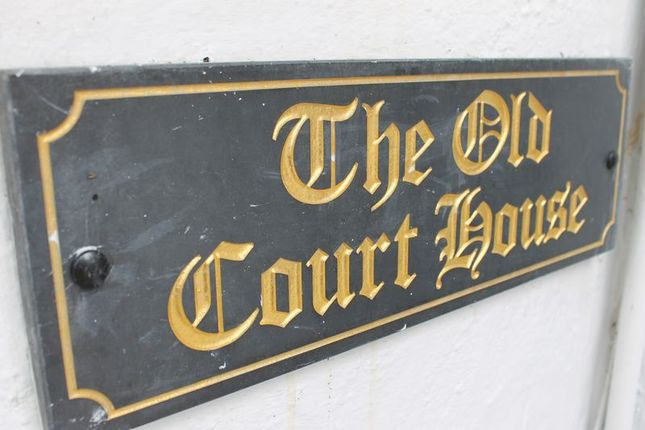 The Old Courthouse Sign