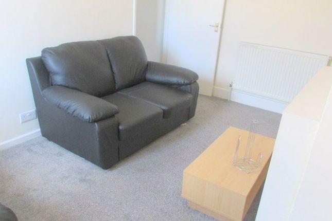 Thumbnail Maisonette to rent in Buxton Road, Bedfordshire, Luton