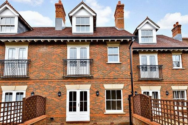 Thumbnail Terraced house for sale in Wethered Park, Marlow