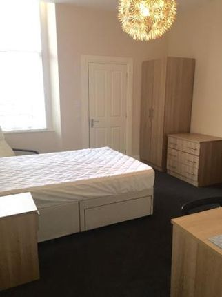 Thumbnail Flat to rent in Grosvenor Road, West End, Dundee