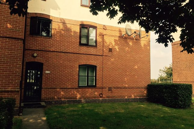 Thumbnail Studio to rent in David Close, Harlington, Middlesex