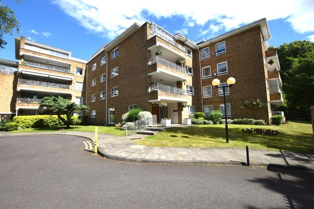 Thumbnail Flat to rent in Sunset Avenue, Woodford Green