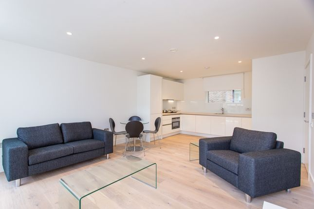 Thumbnail Flat for sale in Atrium Apartments, Ladbroke Grove, London