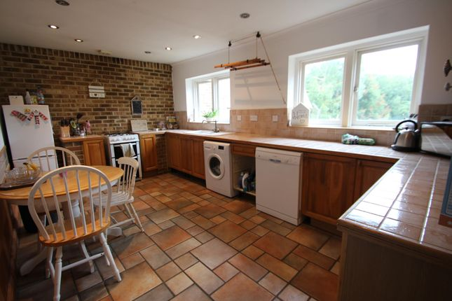 1 bed flat to rent in Bydews Granary East View, Farleigh Hill, Maidstone