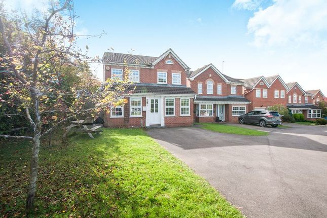 Thumbnail Detached house to rent in Westmorland Drive, Warfield, Bracknell