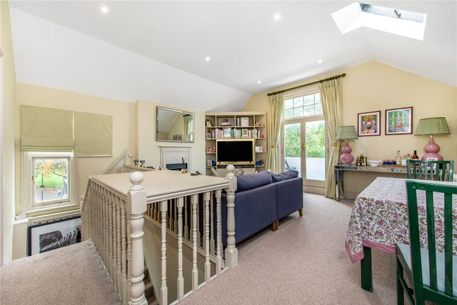 2 bed flat for sale in Wandsworth Bridge Road, London SW6