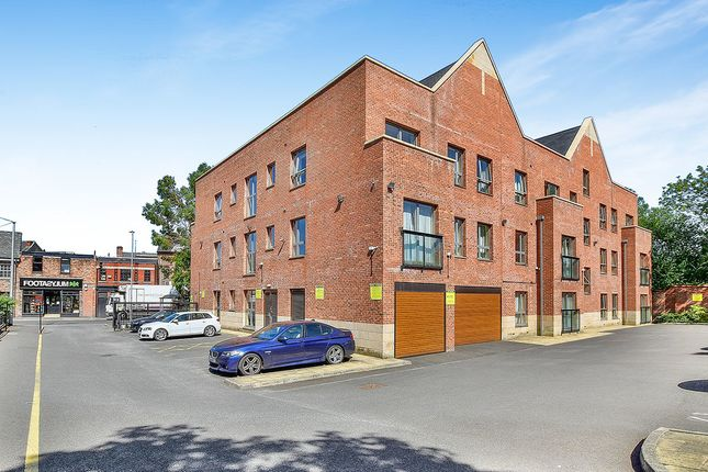 Thumbnail Flat to rent in Green Lane, Wilmslow