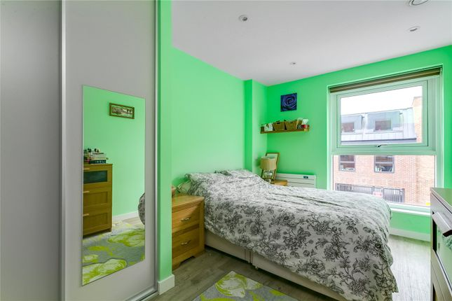 Bedroom of Tooting High Street, London SW17