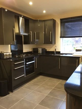 4 bed shared accommodation to rent in Margaret Street, Sheffield S1