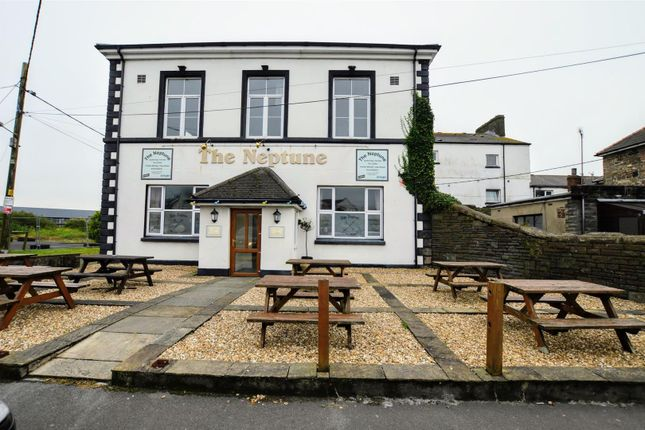 Thumbnail Pub/bar to let in Neptune Square, Burry Port