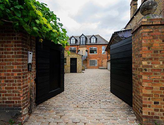 Thumbnail Flat to rent in Wakeman Road, London