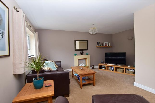 Family Room of Dunnings Road, East Grinstead, West Sussex RH19