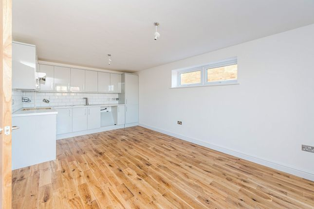Thumbnail Flat for sale in Waterside Court, Warwick Road, Rainham